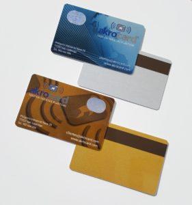 tintas metalizadas en tarjetas plasticas con DiyCard online!